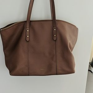 Large fossil tote